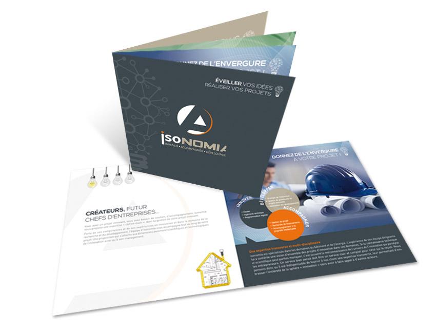 Le studio de publicité CHAT BOTTÉ à conçu les supports de communication de ISONOMIA